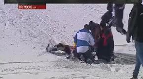 Неудачный прыжок на снегоходе