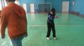 Танцы в спортзале