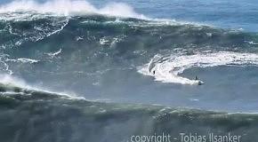 Мировой рекорд! Серфер покорил 30-метровую волну