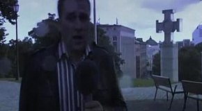 Молния попала в репортера