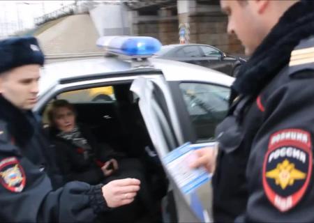 В столице задержаны активисты, вывесившие баннер скритикой действий русских властей