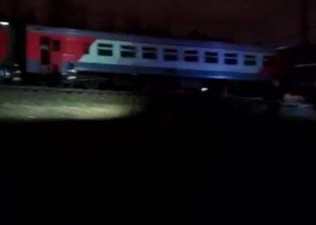 Поезд иэлектричка столкнулись в столицеРФ из-за перебегавшего пути человека