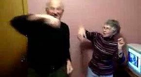 Бабка с дедом колбасятся
