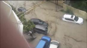 Наводнение в Сочи - Flooding in Sochi 25.06.2015.mp4