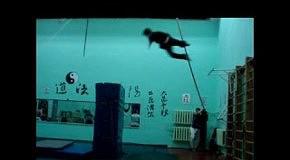 нарезка трюков-акробатика,драки,падения.