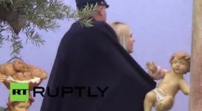 Femen отметились акцией в Ватикане на Рождество