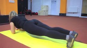 Круговая тренировка для снижения веса. Фитнес девушки