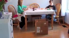 Щенок в подарок детям