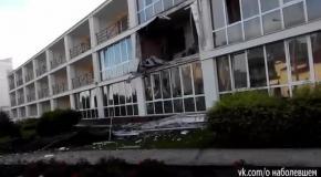 """Северодонецк, 10 июля: снаряд попал в гостиницу """"Мир"""""""