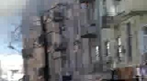 Активисты прогнали с крыши Беркут, который бросал гранаты