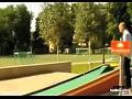Точный удар в игре мини гольф