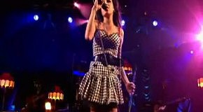 Amy Winehouse - Back To Black (Live in concert)