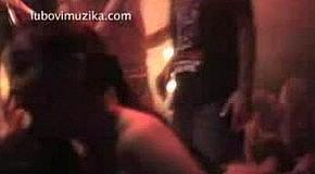 """Инцидент! Пьяный фан напал на участницу группы """"Любовь и музыка""""!"""
