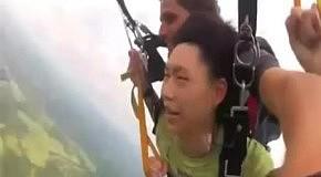 Отключился прыгая с парашютом