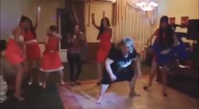 Дикие приколы с танцами