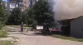 Донецк, 29.07: многоэтажка и гаражи попали под обстрел