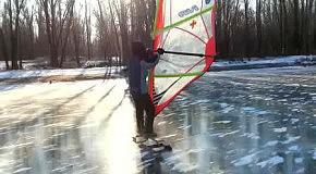 Виндсерфинг на льду