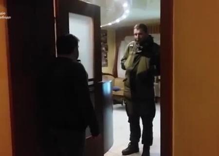 «Отельная блокада»: Парасюк «блокирует» Донбасс вотельном номере вБахмуте