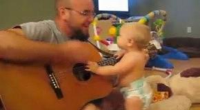 Ребенку нравится песенка