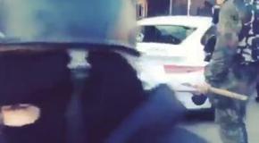 Титушки разбивают дорогой спорткар в центре Киева