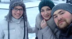 Реакция прохожих на сэлфи в сибирском городе