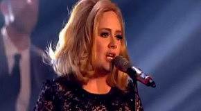 Adele - Rolling in the Deep (Brit Awards 2012)