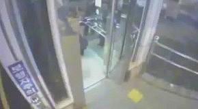 На мопеде провалился в шахту лифта