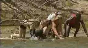 Дефки пугают сафари-туристов :)