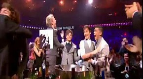 One Direction - What Makes You Beautiful (Brit Awards 2012)