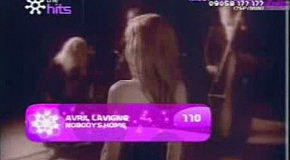 Avril Lavigne - Nobody S Home