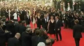 Звёзды кино прибывают на церемонию награждения в Канны
