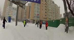Последствия обильного снегопада в Киеве