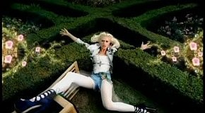 Gwen_Stefani_-_What_are_you_waiting_for