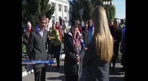 В селі Зарубинці, Андрушівського району жителі сіл вимагають повернути їм пасовище