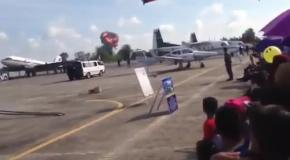 В Таиланде во время авиашоу разбился истребитель