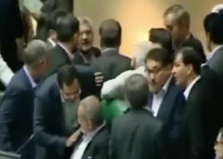 «Исламское государство» атаковало иранский парламент имавзолей Хомейни