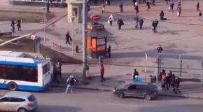 Не оскудеет наша земля дебилами )))))