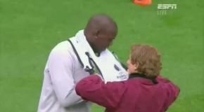 Mario Balotelli Can't Dress Himself - Manchester City vs  FC Dynamo Kyiv (Kiev) Europa League 2011