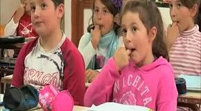 Школьников учат общаться свистом на Канарах