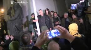 Активиста избили за предложение подождать депутатов до утра
