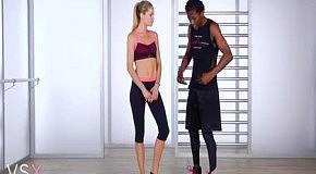 Фитнес с Victoria's Secret: упражнения для идеального корпуса