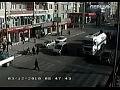 Чтобы уберечь жизнь, мужчина вынужден был бежать наперегонки с бензовозом