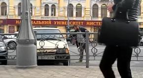 Автовор-неудачник пытается угнать Ладу