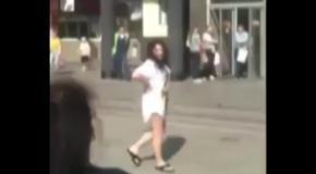 Пьяная Лолита устроила концерт у метро