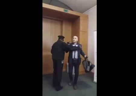 Грэма Филлипса выгнали из английского парламента завопрос обУкраине