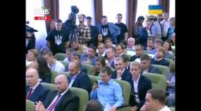 В Киевсовете подрались представители фракций Ляшко и Кличко