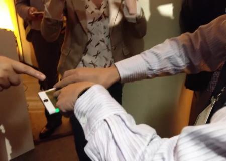 Lenovo представила гибкий браслет-смартфон