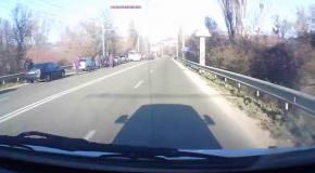 Бронеавтомобиль оккупантов протаранил троллейбус в Крыму