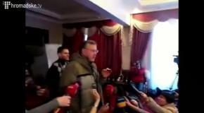 Евромайдан: Анатолий Гриценко призвал браться за оружие