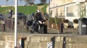 Мотоцикл врезался в яхту